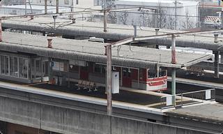 上空からの神戸電鉄岡場駅 外観